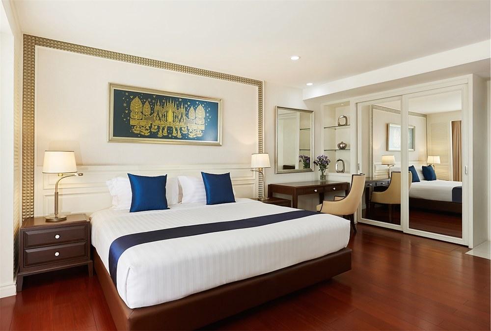One Bedroom Chaophraya Grand Suite